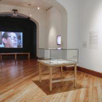 Revista Objeto Menú (1982-1983), en La Artefactoría, Centro de Arte Contemporáneo de Quito, 2019. Fotografía: Pablo Jijón. Comunicación y Diseño, Centro de Arte Contemporáneo de Quito