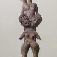 12 de Octubre de 1985, ritual femenino-funesto masculino. Autorretrato collage