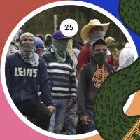 Estudiantes normalistas bloqueando la carretera Tixtla-Chilpancingo, el 22 de septiembre del 2015, a pocos días de la conmemoración del primer aniversario de la desaparición de los 43 estudiantes de la Escuela Normal Rural de Ayotzinapa, la noche del 26 de septiembre del 2014.