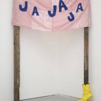 Julien Antoine, La risa es resistencia. Foto por Fiorella Di Biase. Imagen cortesía de Lanzallamas