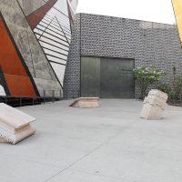 Cynthia Gutiérrez, Rumores de piedra (2018). Tres pedestales tallados en roca de cantera.Foto: Marit Martínez. Cortesía de La Tallera
