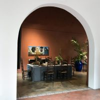 Dalton Gata, La Mansión de Lucía(2019). Vista de instalación. Imagen cortesía de Mamey Galería