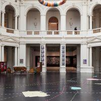 Martha Rosler, Si tú vivieras aquí, vista de instalación en MAC Chile, 2019. Foto: Sebastián Mejía. Imagen cortesía de MAC Chile