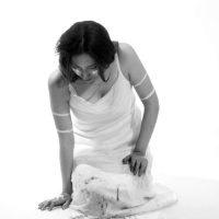 Saskia Calderón. Técnica vocal. Videoperformance. Colección: Bienal de Cuenca. Crédito:Ricardo Bohórquez / MAAC