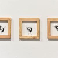 Humberto Junca, Qué espera de la mano del artista. Vista de instalación. Imagen cortesía de Cámara de Comercio de Bogotá