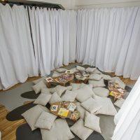 Archivo El Insulto, Se ruega tocar. Intimar con las memorias del deseo(2019). Vista de instalación en Terremoto La Postal.Foto porCarlo Echegoyen