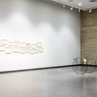 Vista de Sala de la muestra Unsettings curada por Km 0.2 en el Museo de Arte y Diseño de Miramar