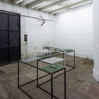 Christian Salablanca, Alza de mira (2019). Vista de instalación. Foto por Felipe Ugalde